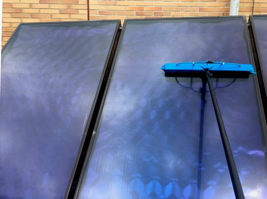 Limpieza de colector térmico solar