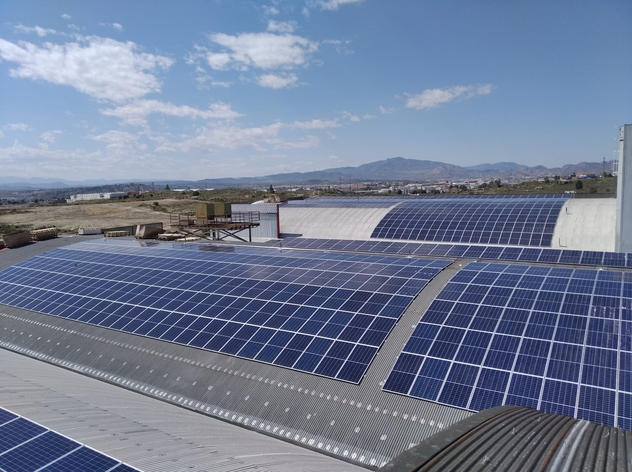 Alba Renova realiza la mayor instalación fotovoltaica de autoconsumo de Navarra.